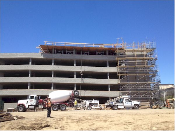 Multi-floor commercial structure concrete pouring - www.mudslingerconcretepumping.com